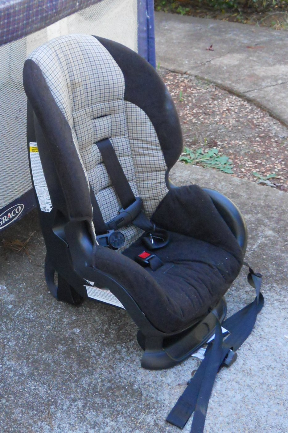 Car seat expiration date in Sydney