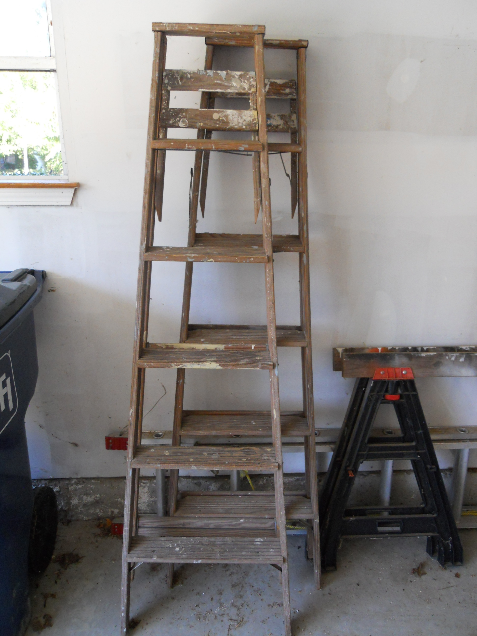 Re Use Recycle And Repurpose Old Ladders Think Outside The Bin