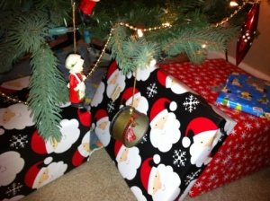Wrapped gifts under the tree